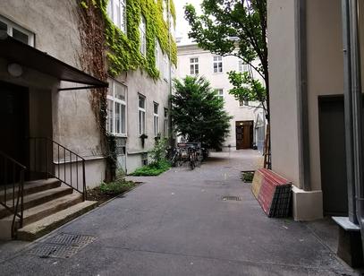 1070 Westbahnstraße 28, Top 24